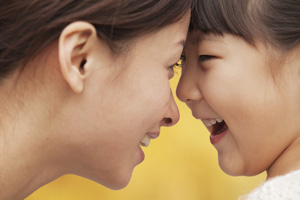 shutterstock_158902823 mother daughter